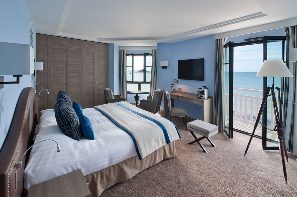Chambre Premium, avec vue sur le Fort National de St-Malo