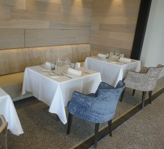 Retour sur l inauguration de l 39 h tel le nouveau monde - Restaurant vaise tout le monde a table ...