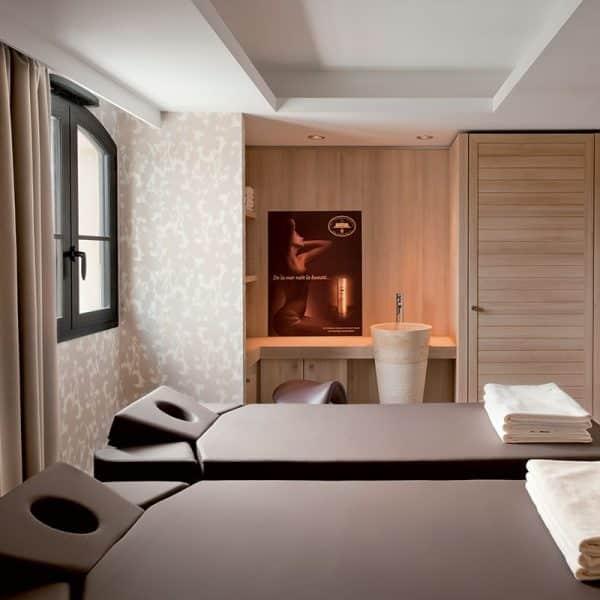 hotel-nouveau-monde-modelages-corps-romantique-2-600x600